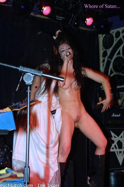 Nude metal bitch girl